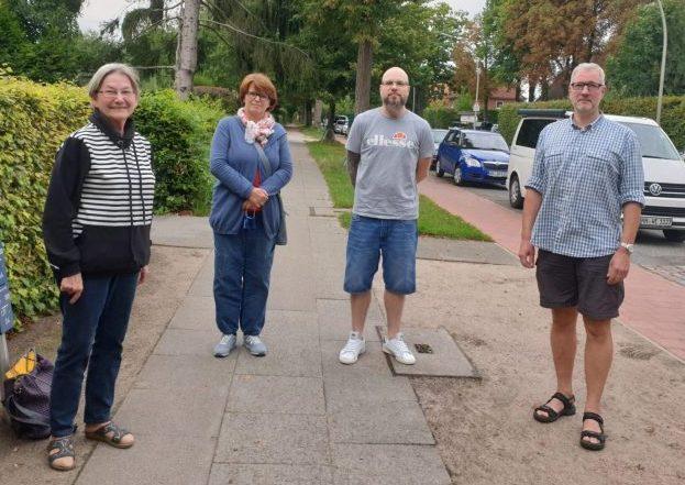 Frau Dr. Sellenschlo(CDU) mit dem Vorstand der BI Neue Tala Marion Hoffmann, Ben Marzahl und Olaf Reichert